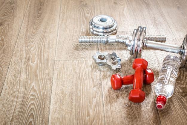 Conjunto para atividades esportivas no chão de azulejos