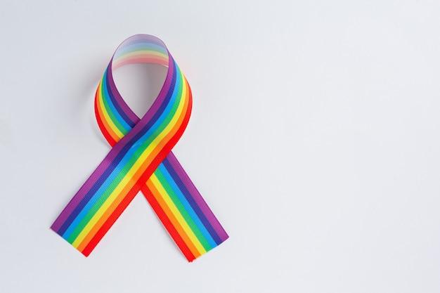 Conscientização da fita arco-íris para o conceito de orgulho comunitário lgbt