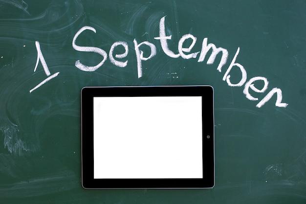 Conselho escolar com a inscrição 1 de setembro