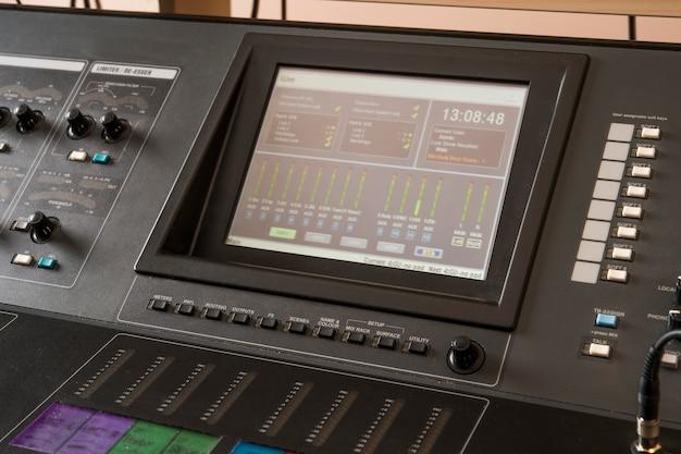 Console de mixagem de áudio