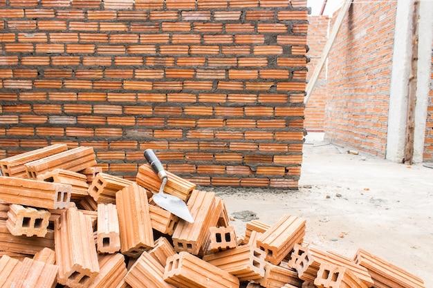 Construção de parede de tijolo de construção