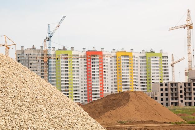 Construção de um edifício residencial de vários andares