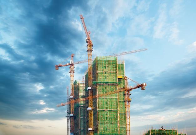 Construção de usinas