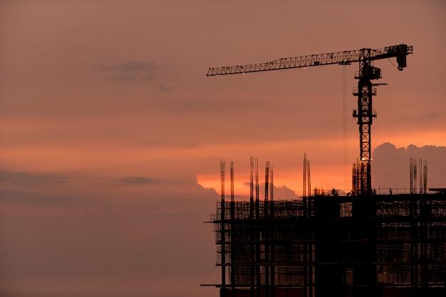 Construção, trabalhador, ferros de construção para construção, concreto e equipamentos
