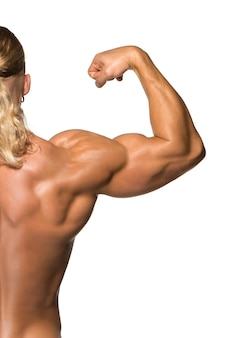 Construtor de corpo masculino atraente, isolado no fundo branco