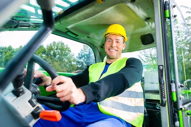 Construtor, dirigindo, maquinaria construção