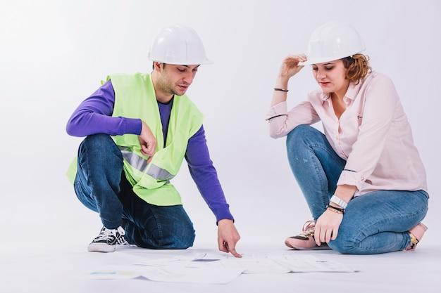 Construtores, discutir, desenhos técnicos