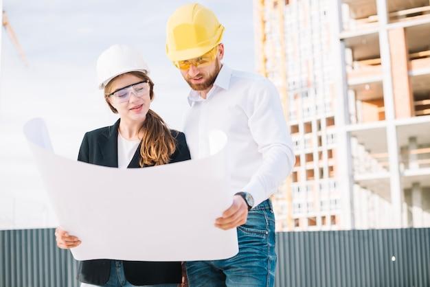 Construtores que procuram rascunhos