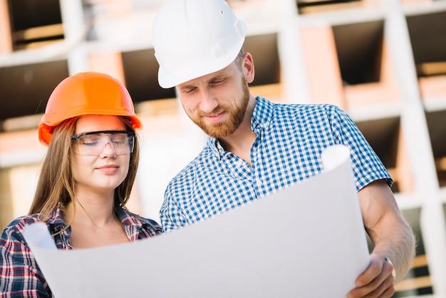 Construtores que trabalham no plano