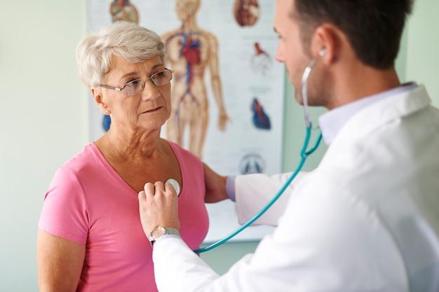 Consulta de controle no médico