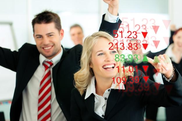 Consultores de negócios - banqueiros e finanças
