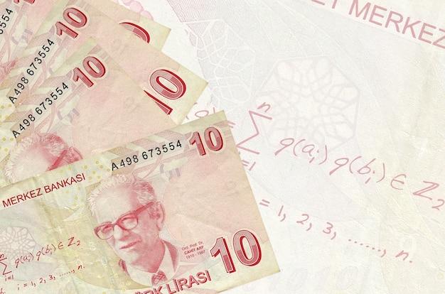 Contas de liras turcas empilhadas