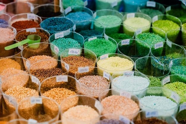 Contas de vidro colorido