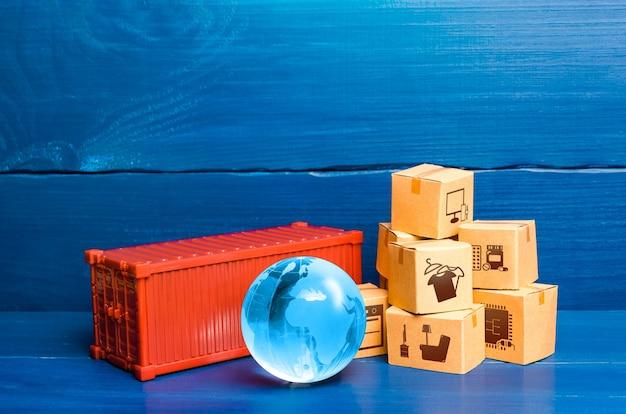 Contêiner de carga vermelho com caixas e globo azul do planeta terra comércio internacional global de mercadorias