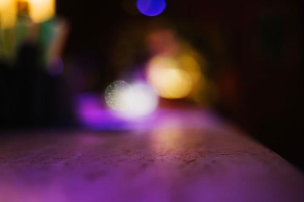 Contra-superfície no bar