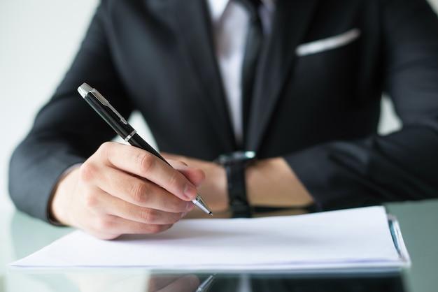 Contrato de assinatura do proprietário da empresa