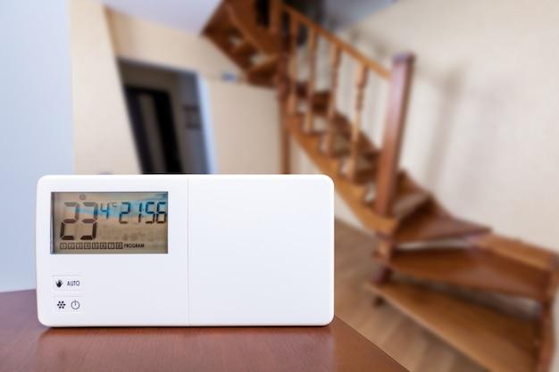 Controle climático do sistema, smart house. controle de casa