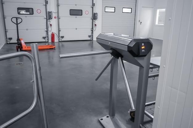 Controle de acesso às instalações através da catraca