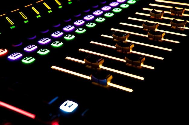 Controle de som com luz de fundo led, equipamento de som.