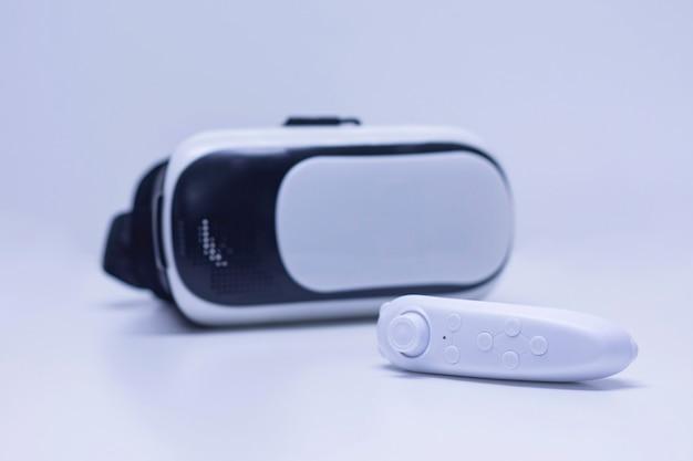Controle remoto no fundo de óculos para realidade virtual e vídeo em 360 graus.