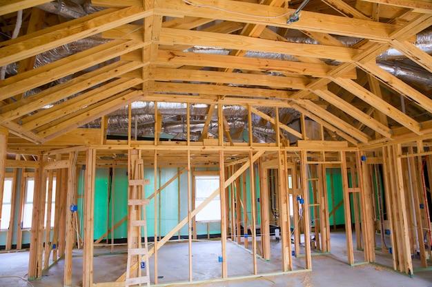 Contruction residencial americano da casa de madeira
