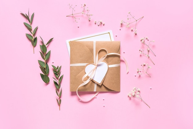 Convite com envelope rosa