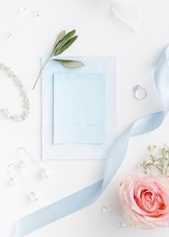 Convite de casamento e anel de noivado