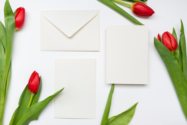Convites de casamento elegante com flores