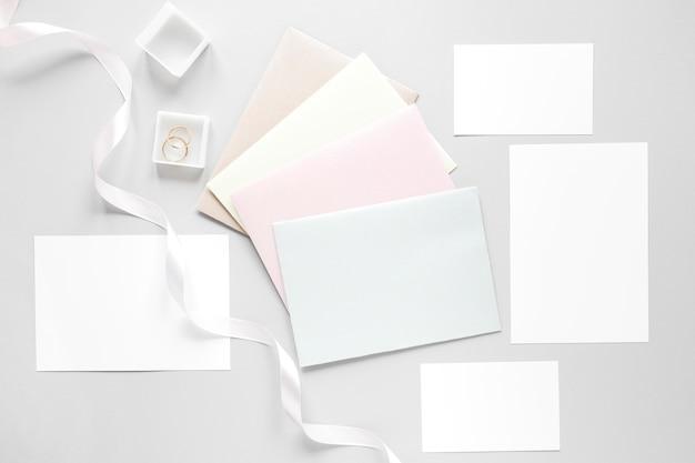 Convites de casamento em envelopes