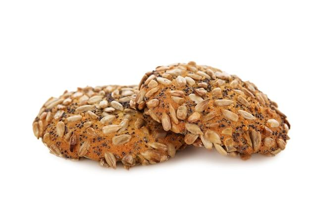 Cookies de aveia com sementes de papoula de chocolate e sementes de girassol isoladas