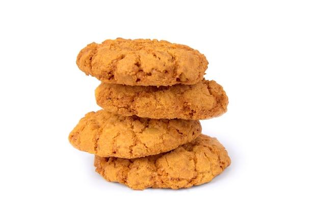 Cookies de aveia em um fundo branco.