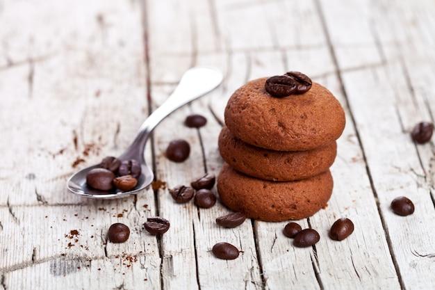 Cookies de chocolate e grãos de café