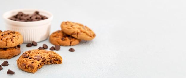 Cookies de vista frontal copiam espaço