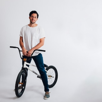 Cool guy com bmx bike