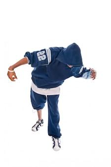 Cool jovem hip-hop homem no fundo branco