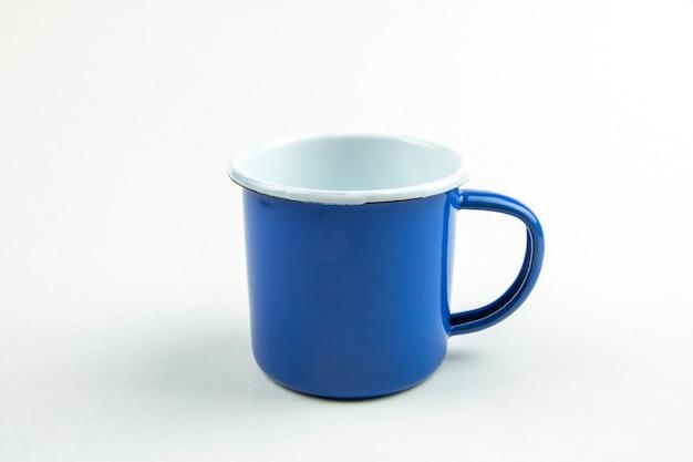 Copa azul de estanho.