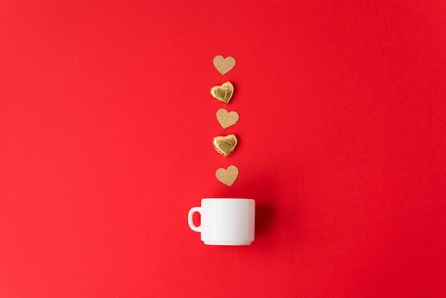 Copa e linha de corações de ornamento