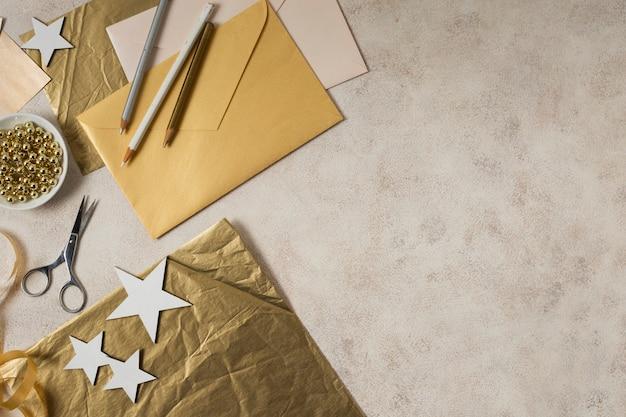 Cópia-espaço ano novo elaboração decorações tempo