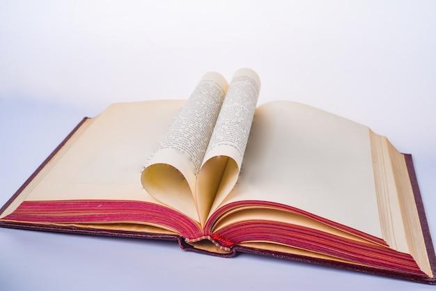 Copiar espaço livro plano em branco aberto com páginas de papel em branco