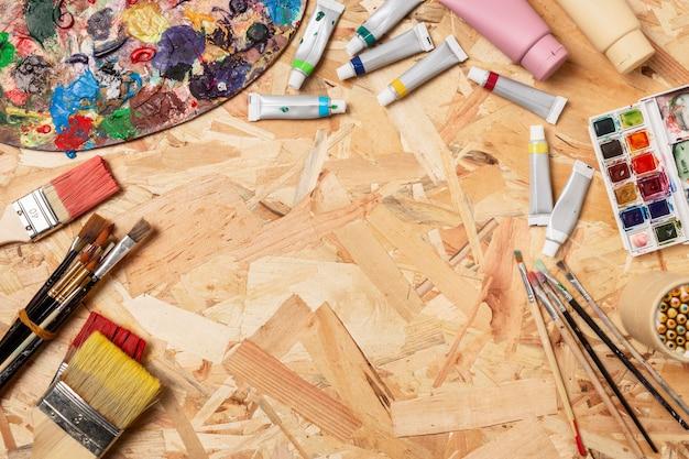 Copie o espaço de madeira, fundo de criatividade, estúdio de arte
