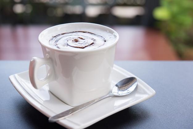 Copo de café cappuccino, café quente
