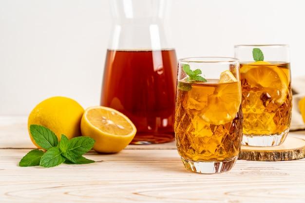 Copo de chá gelado de limão