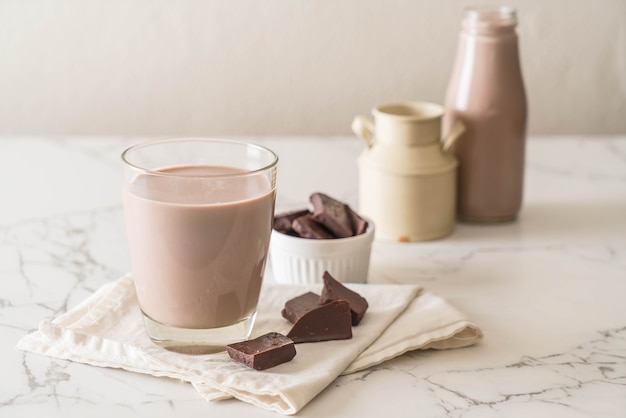 Copo de leite com chocolate