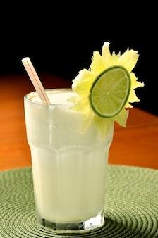 Copo de suco de limão
