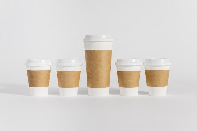 Copos de café de diferentes tamanhos