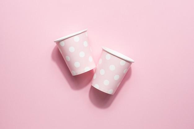 Copos de papel descartáveis de bolinhas rosa