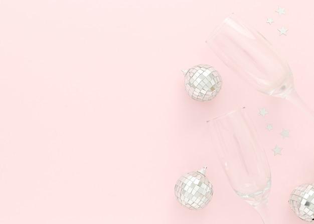 Copos e globos para festa