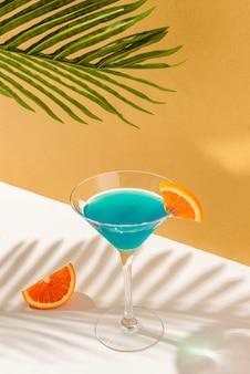 Coquetel tropical blue lagoon