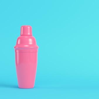 Coqueteleira rosa sobre fundo azul brilhante em tons pastel. conceito de minimalismo. 3d render