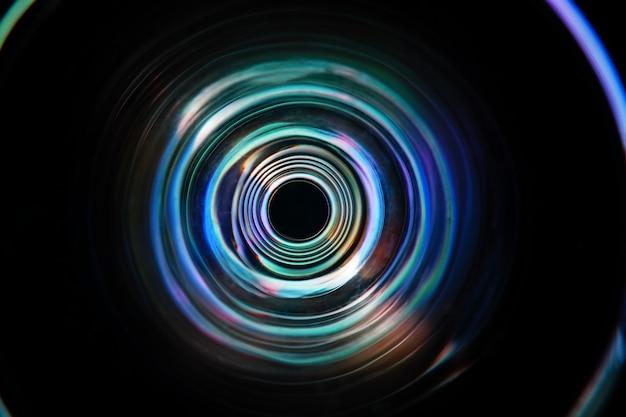 Cor luz mover rodada em longa exposição tiro no escuro.